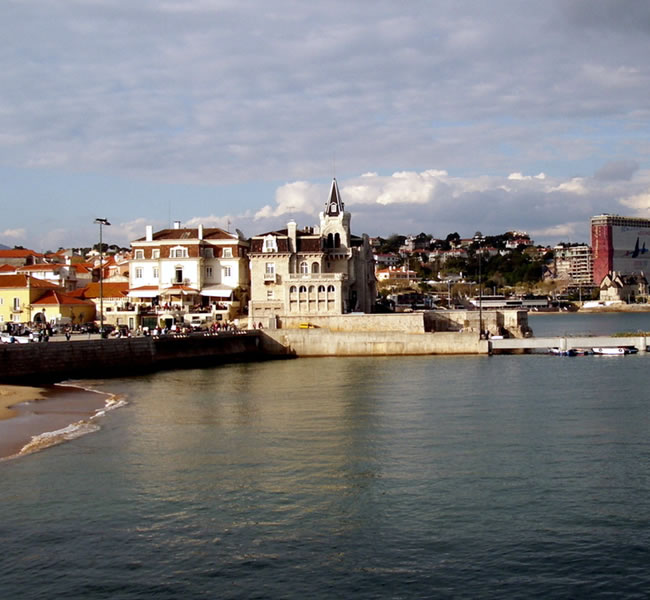 Views of Estoril & Cascais. Image copyright FreeImages.com/Luis Carballo