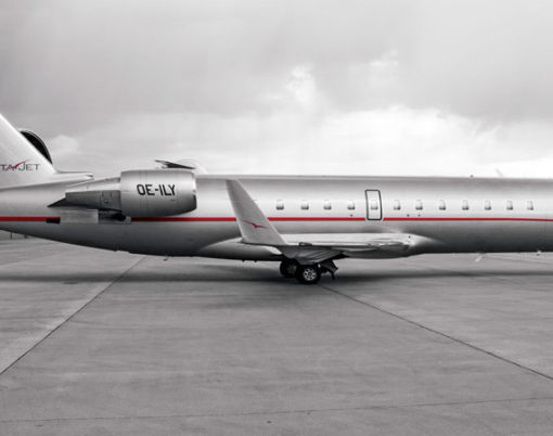 VistaJet Bombardier Challenger 850 Private Jet exterior