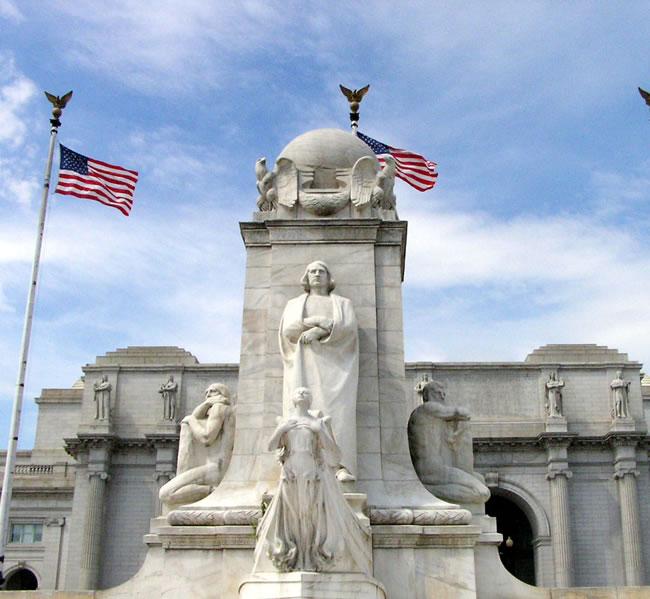 Columbus Monument in Washington DC. Image copyright: FreeImages.com/ruth tsang