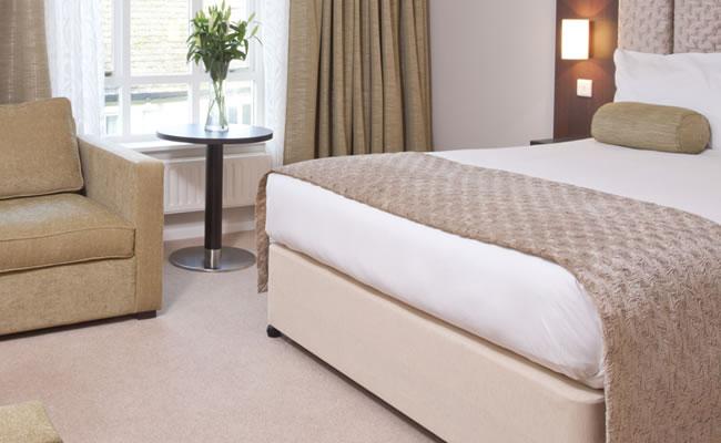 sudbury house hotel bedroom