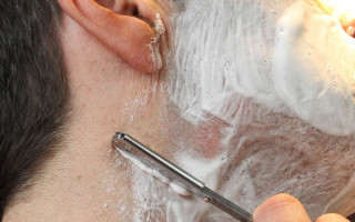 man cut throat shaving