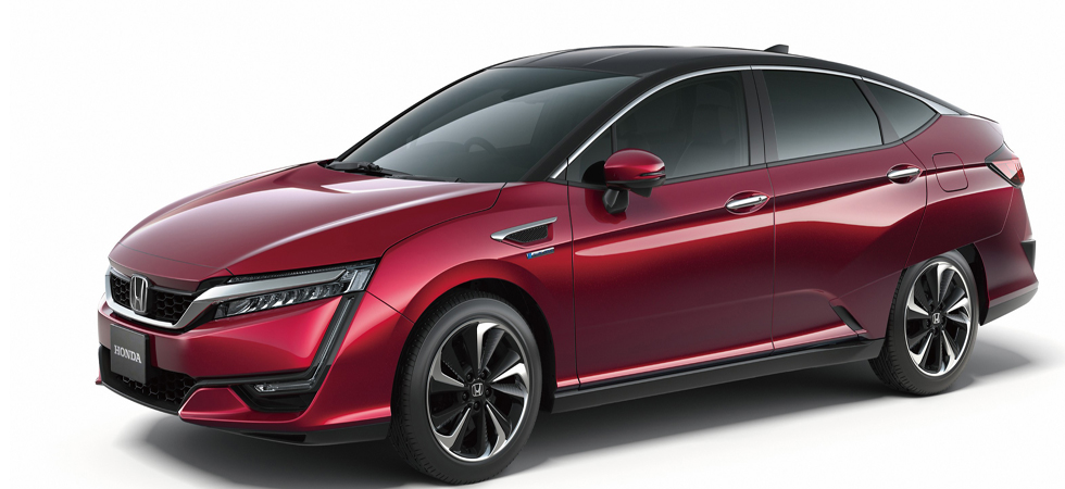 FCV Vehicle receives it's global debut at the Tokyo Motor Show.
