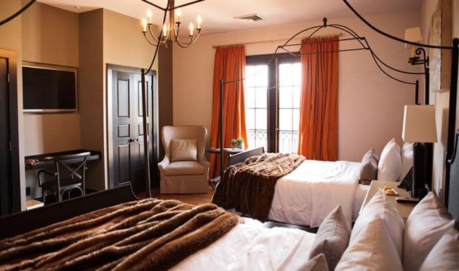Hotel Domestique bedroom