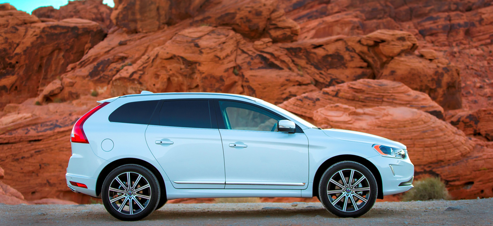 test drive volvo xc60 d4 awd r design lux luxury. Black Bedroom Furniture Sets. Home Design Ideas