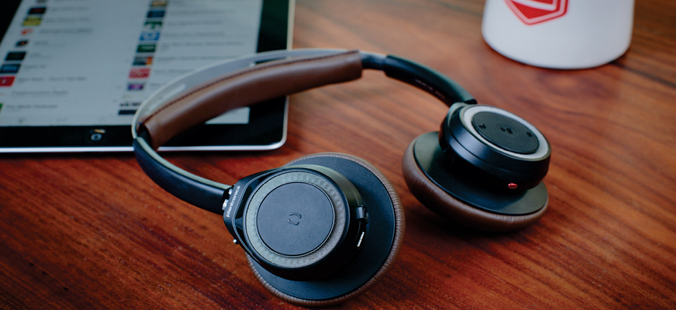 Wireless, stylish and comfortable, the BackBeat SENSE are a must this Christmas.
