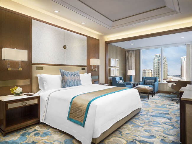 The St. Regis Macao, Cotai Central  bedroom