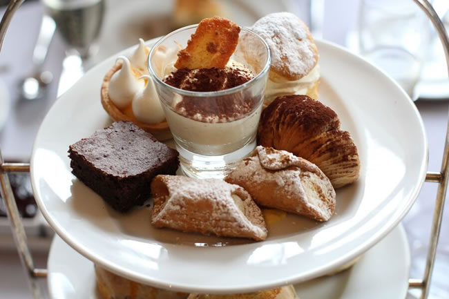 afternoon tea at Baglioni Hotel London