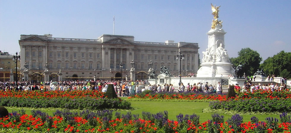 A Night At Buckingham Palace Would Set The Public Back 163 1
