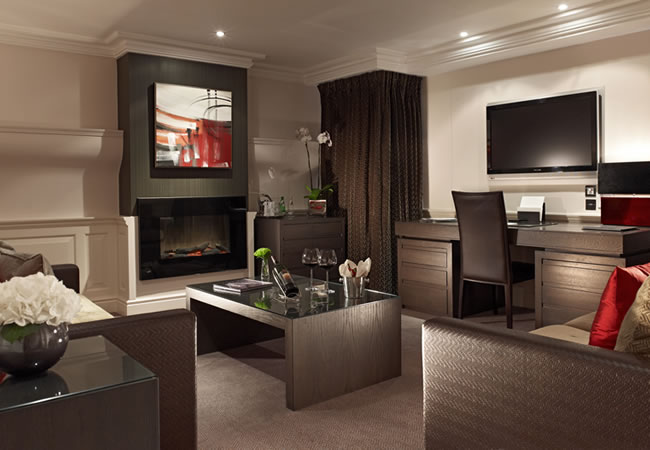 The Apartment is a sumptuous and elegant suite that is completely self-contained,