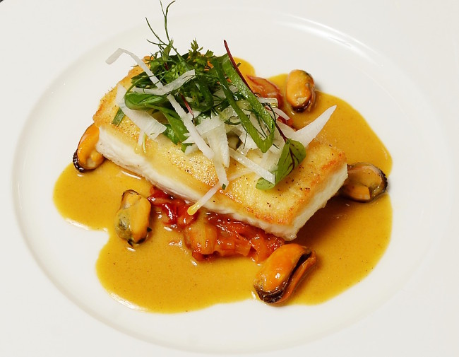 Gigha halibut, peppers, white radish and mussel curry veloute at RHG (close up)