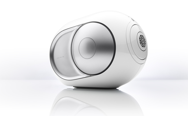 Luxury combines design and technology and results in the Silver Phantom from Devialet.