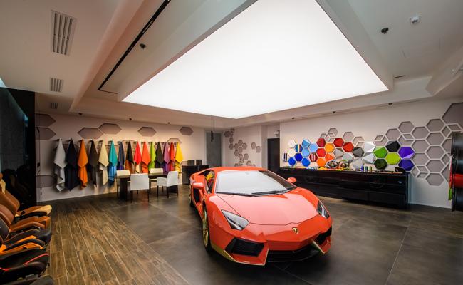 Embracing personalisation, Lamborghini introduce the Ad Personam programme.