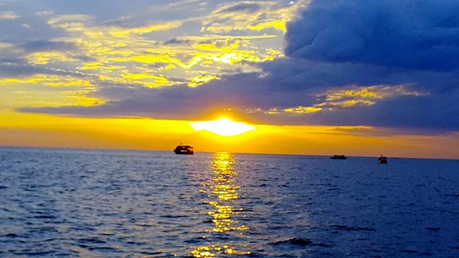Sunset on Tone Le Sap Lake