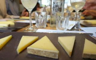 Comté & Bubbles: Buchanan's Cheesemonger, Porchester Place in London
