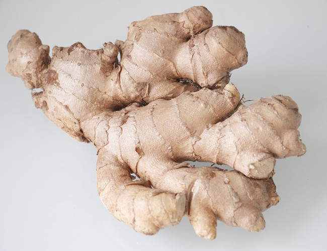 Ginger will aid any digestive issues and help you to gain that slim waistline. Image Credit: pixabay.com