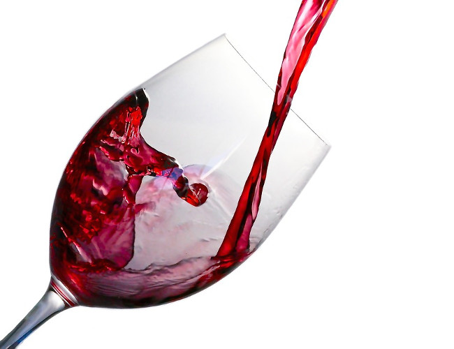 Red wine prevents cardiovascular health conditions. Image Credit: pixabay.com