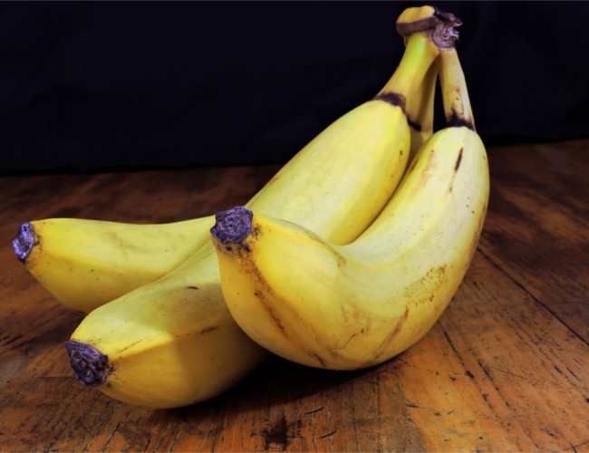 Bananas keep you smiling with the 'feel-good' hormone serotonin. Image Credit: pixabay.com