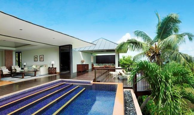 Raffles Seychelles ocean pool villa
