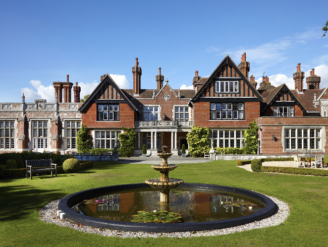 Macdonald Elmers Court Hotel & Resort Spa is situated in the heart of the New Forest countryside