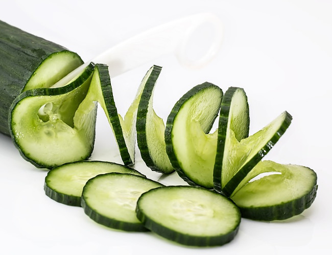 Cucumber contains 96% water which is great for hydration. Image credit: pixabay.com.