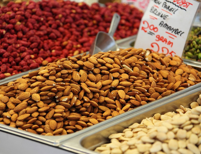 To help relieve migraines try eating magnesium rich food including nuts. Image credit: pixabay.com.