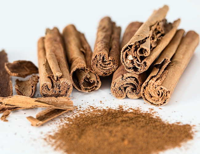Replace sugar and sweeteners with cinnamon. Image credit: pixabay.com.