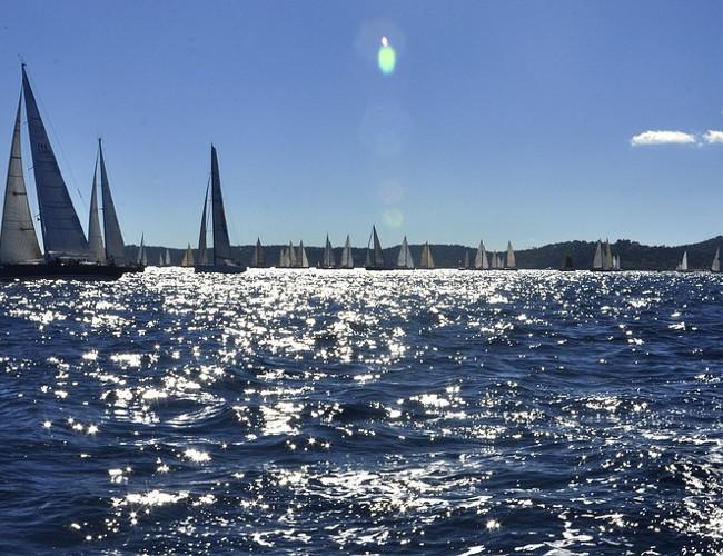 Explore the beauty of Saint Tropez in a luxury Hunton yacht. Image Credit: pixabay.com.