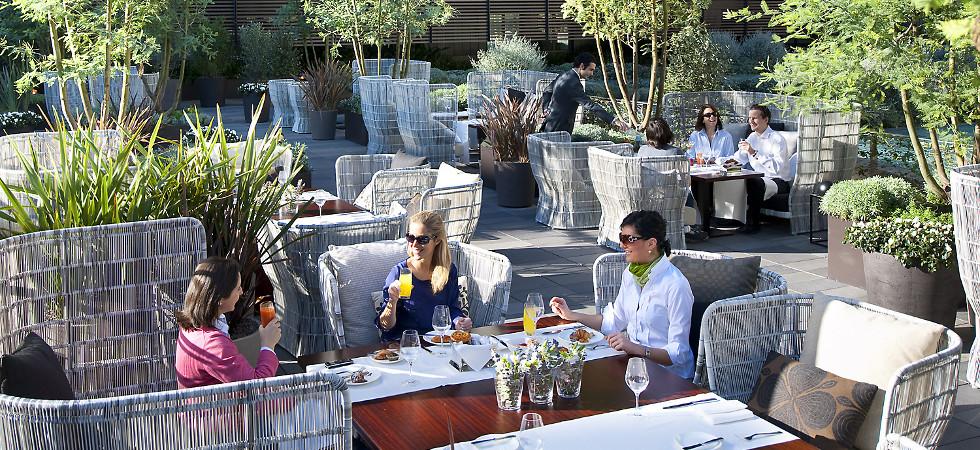 Restaurant review the mimosa garden at the mandarin for Food bar garden
