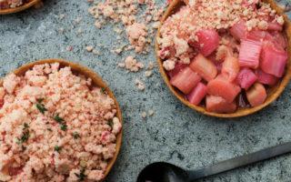 Rhubarb Crumble Tarts