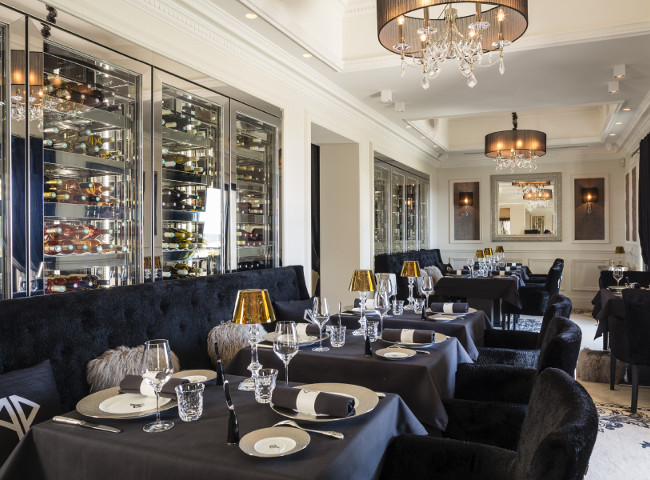 Cannes has an abundance of restaurants for serious foodies or casual diners