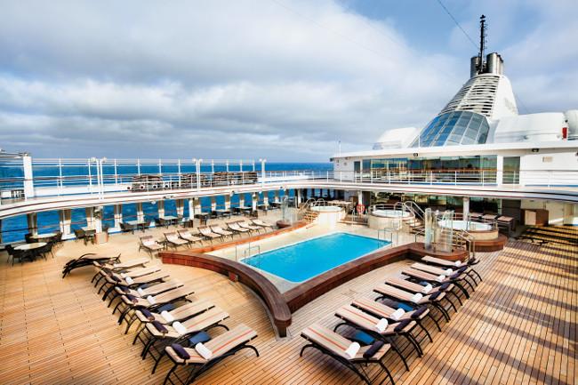 ss6523_silver-spirit-pool-deck