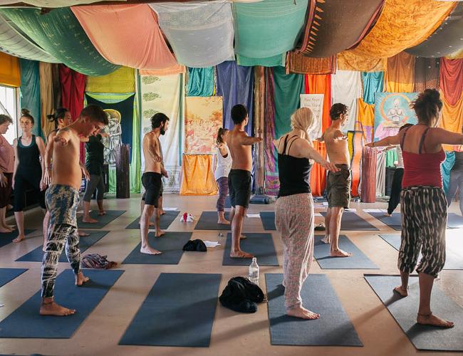Krishna yoga (photo: Krishna Village)