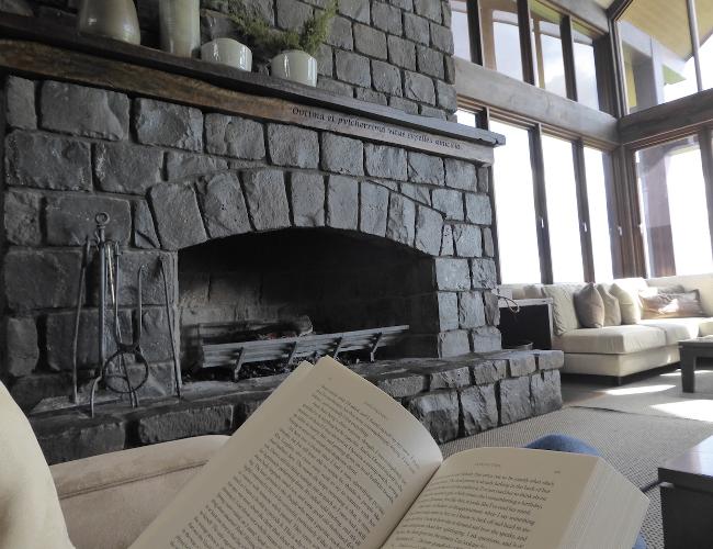 Spicers Peak Lodge fireplace