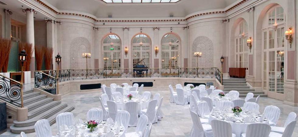 The Waldorf Hilton's Palm Court