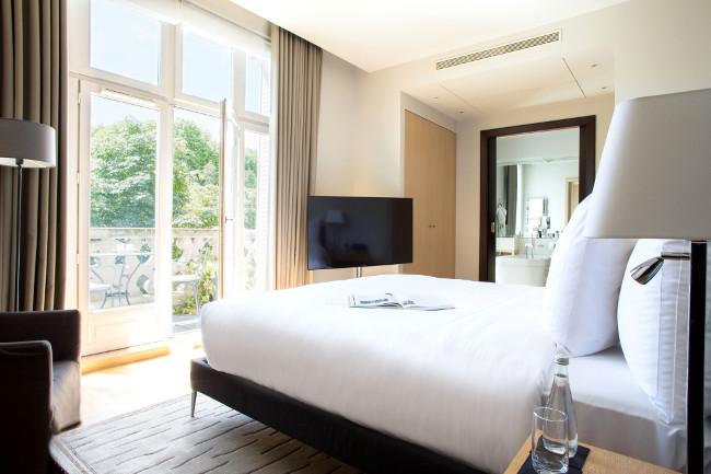 La Réserve Paris Apartments, Avenue d'Eylau in Paris, France