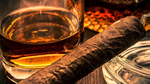 The ultimate cigar & whiskey pairings