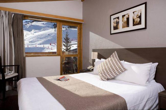 hotel-mottaret-meribel-mottaret-double-bedroom