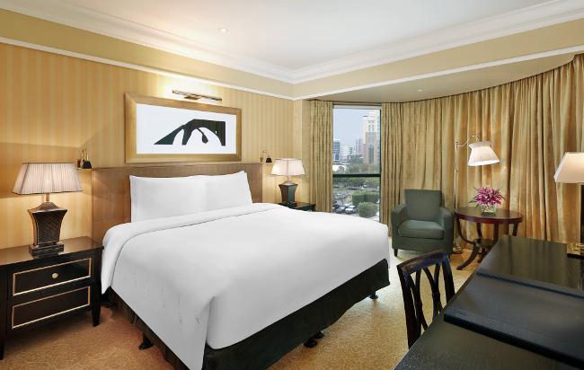 The Ritz-Carlton, Bahrain bedroom