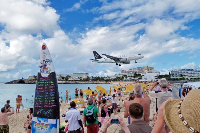 St Maarten airport landing
