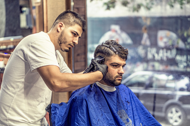 barbershop mens haircut