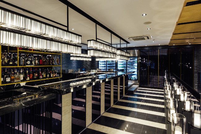 Ginza Onodera - bar interior
