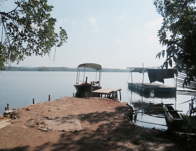 Tri Cinnamon island boats