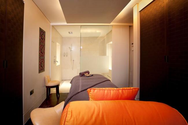 Ushvani Treatment Room MG_6460 HR