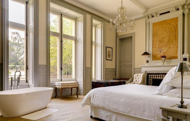 Le Grand Salon Master Bedroom