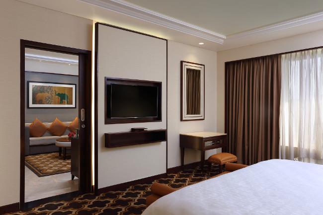 Sheraton Grand Pune Bund Garden Hotel room