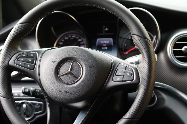 leather-steering-wheel
