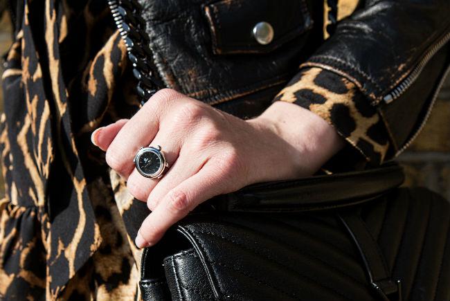 De-Caron-watch-ring
