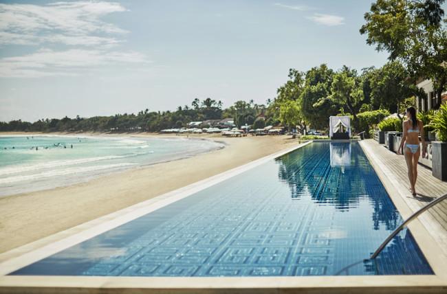 Sundara overlooks a stunning unspoilt beach