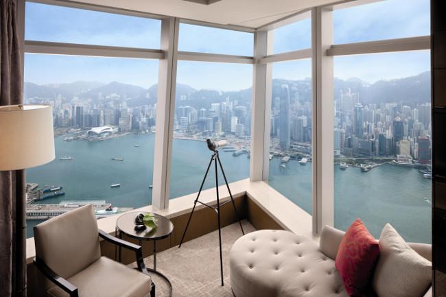 Deluxe Victoria Harbou Suite-THE RITZ CARLTON HONG KONG