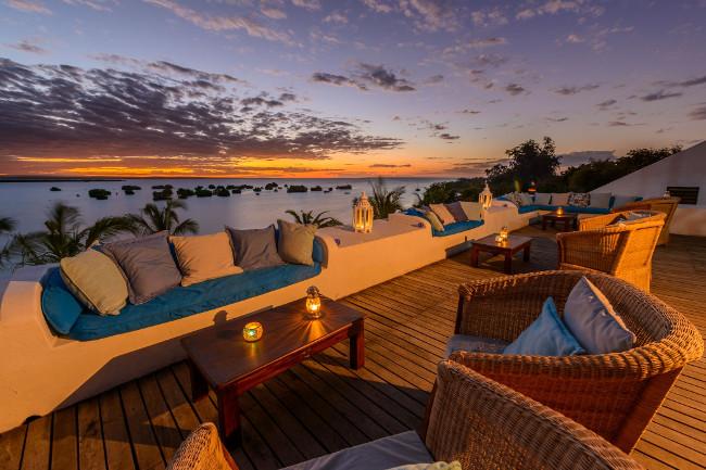 Sky bar Ibo Island Lodge_preview